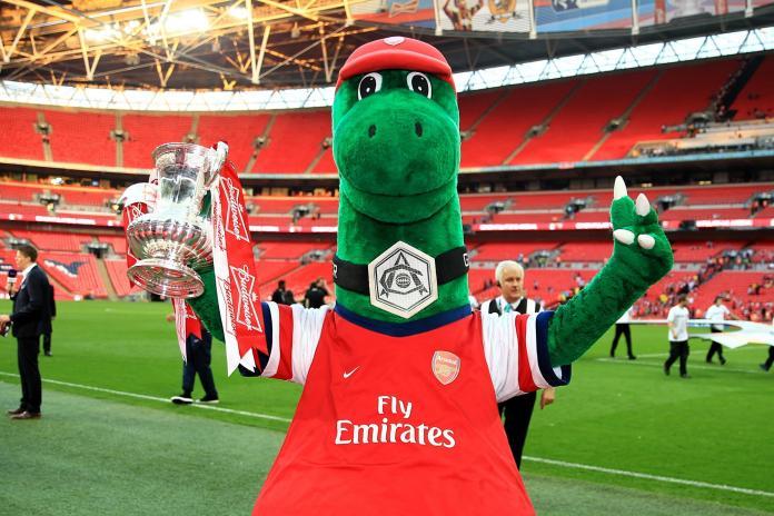 Mesut Ozil akan Membayar Gaji Maskot Arsenal, Gunnersaurus