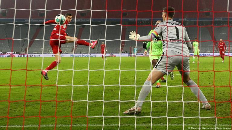 Bayern Munchen 2-1 Wolfsburg, Robert Lewandowski Pecahkan Rekor Bundesliga