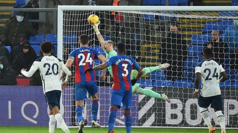 Gol Jeffrey Schlupp Selamatkan Crystal Palace dari Kekalahan