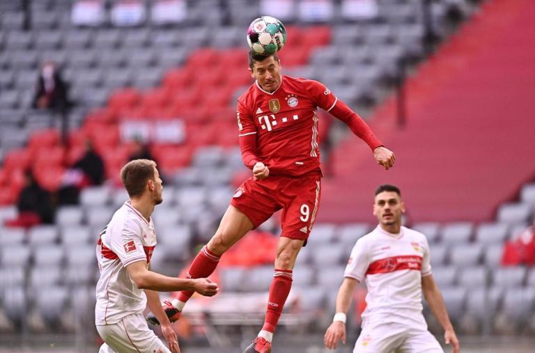 Main dengan 10 Orang, Bayern Munchen Tetap Libas Stuttgart 4-0
