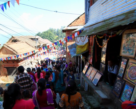 Flow of people to and from the temple