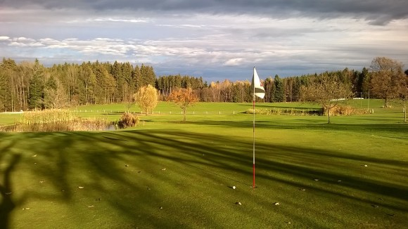 golf-course-1035432_1280