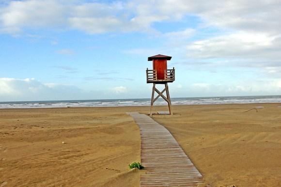 beach-678535_640