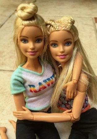 La Barbie La Plus Moche Du Monde : barbie, moche, monde, Coiffures, Barbie, Monde, Selon