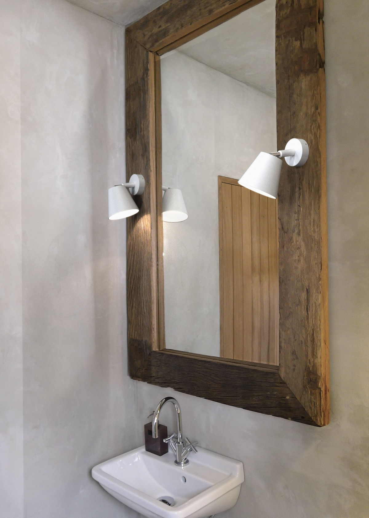 Best Bathroom Lighting The Best Lighting Solutions For Small Bathroom