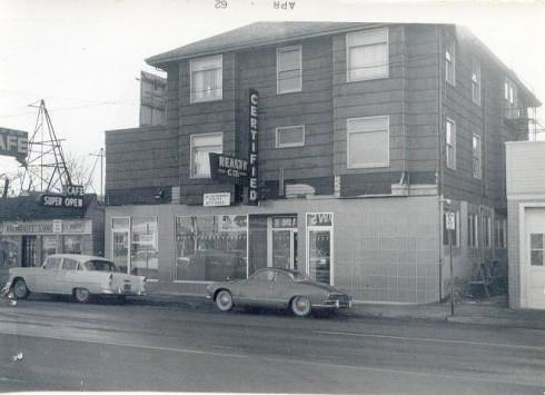2712 NE Sandy Boulevard in Portland, Oregon circa 1960's