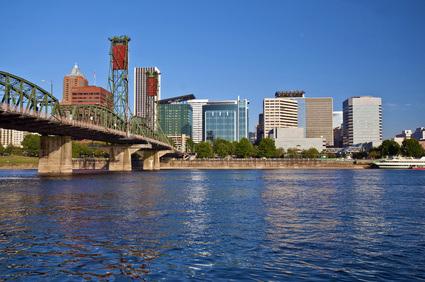 Oregon's Willamette River Passes Through Both Portland & Salem