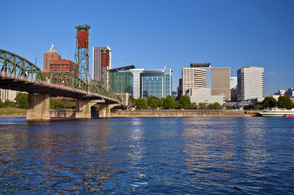 Oregon's Willamette River Passes Through Both Portland & Salem