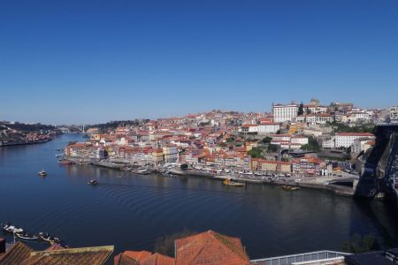 Vistas de Ribeira en Oporto, Portugal