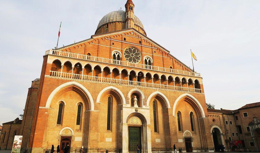 Basílica de San Antonio en Padua, Italia