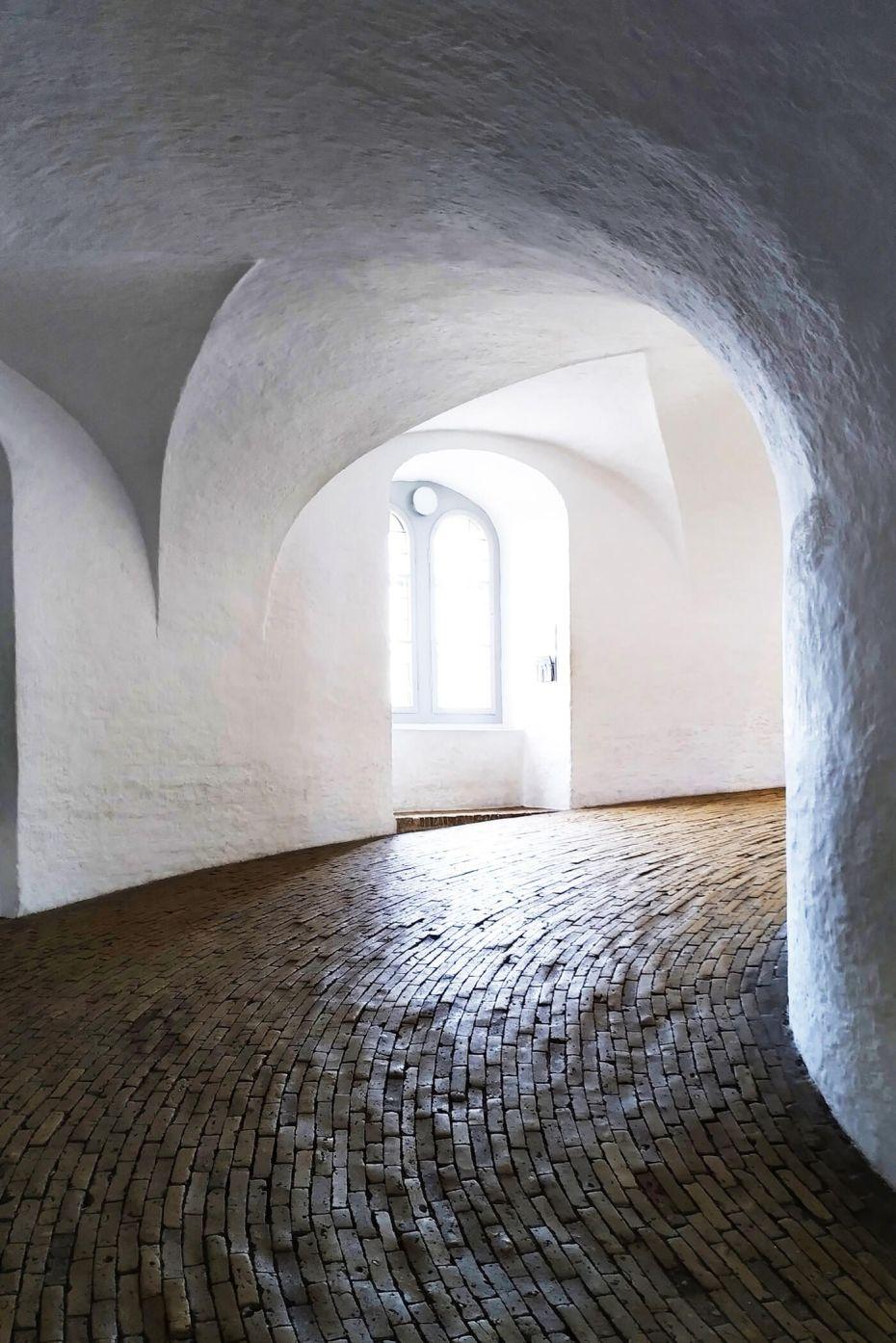 Interior de Rundetårn en Copenhague, Dinamarca