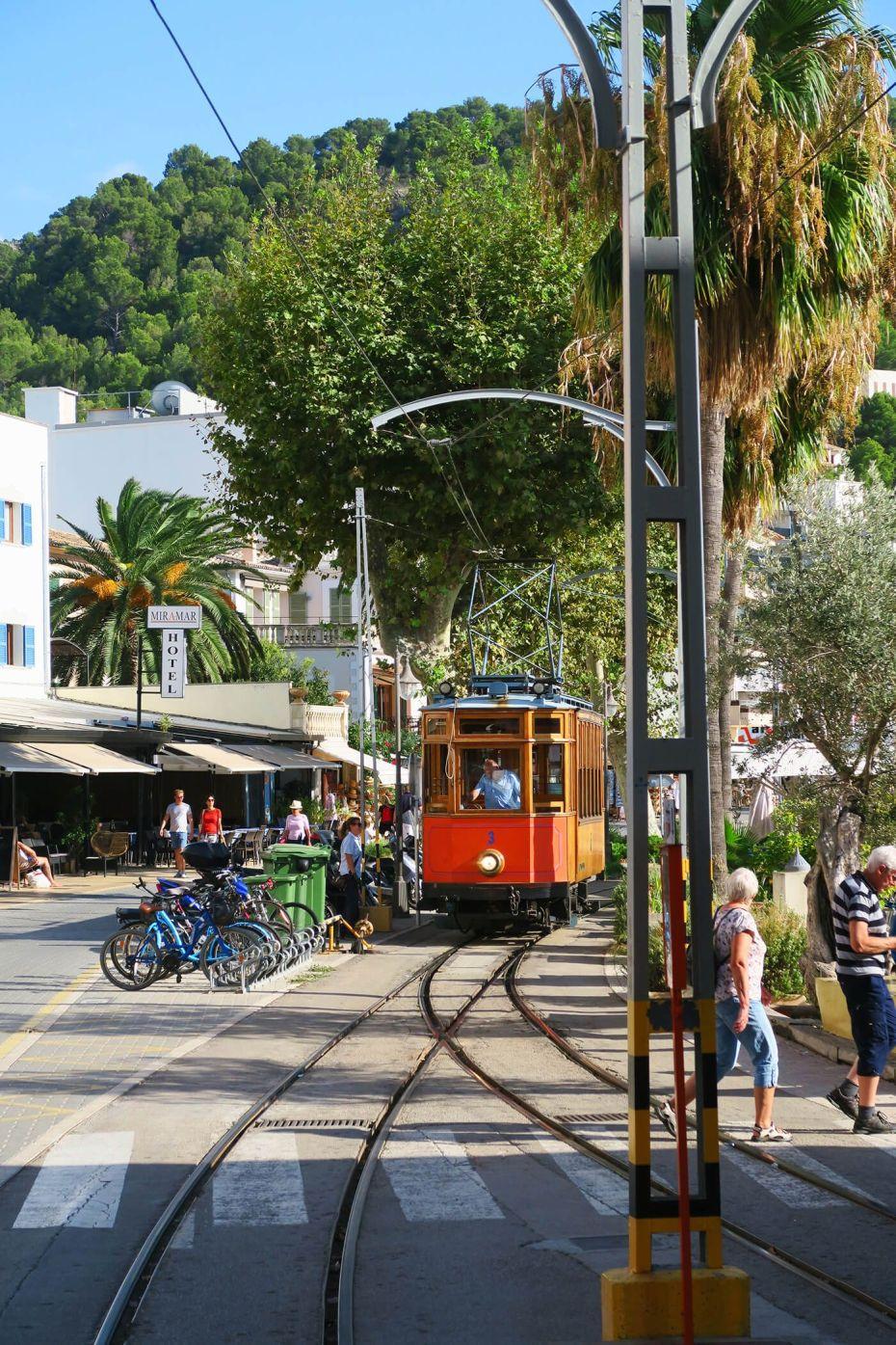 El histórico Tranvía de Sóller en Mallorca, España