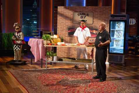 """SHARK TANK - """"Episode 706"""" - Pitches include a self-described """"dad-trepreneur"""" from Riverview, FL who asks the Sharks to join his """"potty"""" and invest in a device that helps simplify potty-training; and three friends from Los Angeles hope to start a tasty trend with their baked-to-order brownies & cookies mashup. Also, an update on Bettina Chen & Alice Brooks from Sunnyvale, CA and their Roominate inspirational toy business, in which Mark Cuban invested in during Season Six, on """"Shark Tank,"""" FRIDAY, OCTOBER 16 (9:00-10:01 p.m., ET) on the ABC Television Network. (ABC/Michael Desmond) TOM CUCCO (TABLE 87 COAL OVEN PIZZA)"""