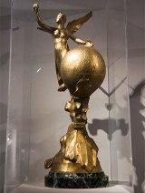 Copa para el primero que cruzó los Pirineos en globo