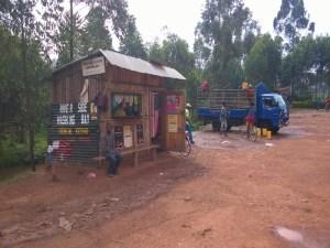 ugandská myčka aut a motocyklů