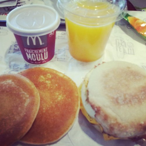 petit-dej-mac-do-egg-muffin