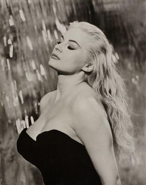 Anita Ekberg, avant les femmes rondes étaient belles et sexys