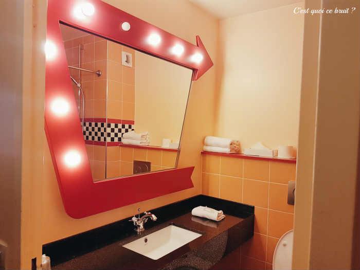 Disney's Hotel Santa Fe notre salle de bain sur le thème de Cars