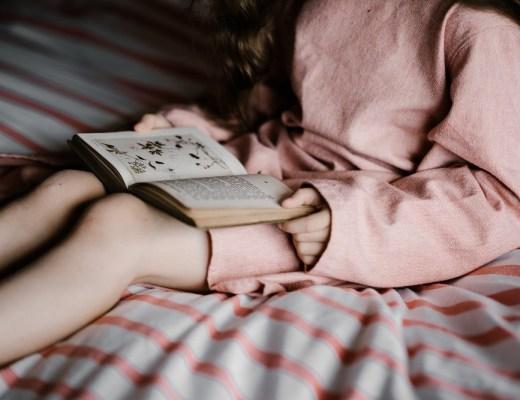 Lecture livre personnalisé pour enfant