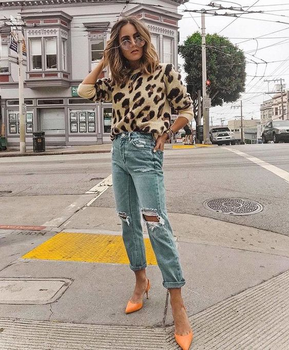 Porter l'imprimé léopard avec un jean