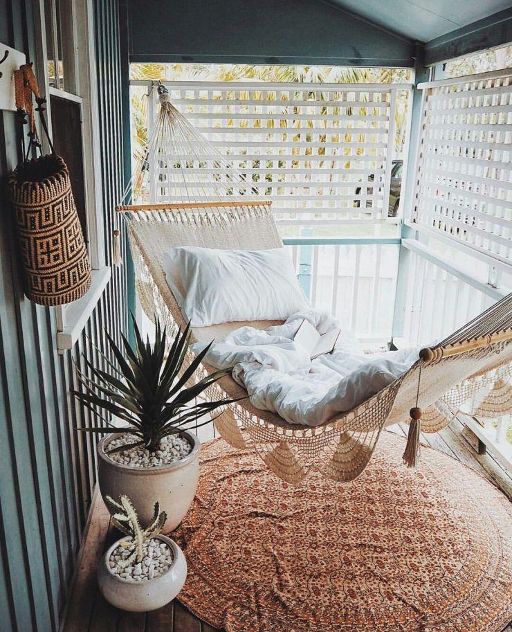 Aménager une terrasse avec un hamac pour un coin détente hygge et zen