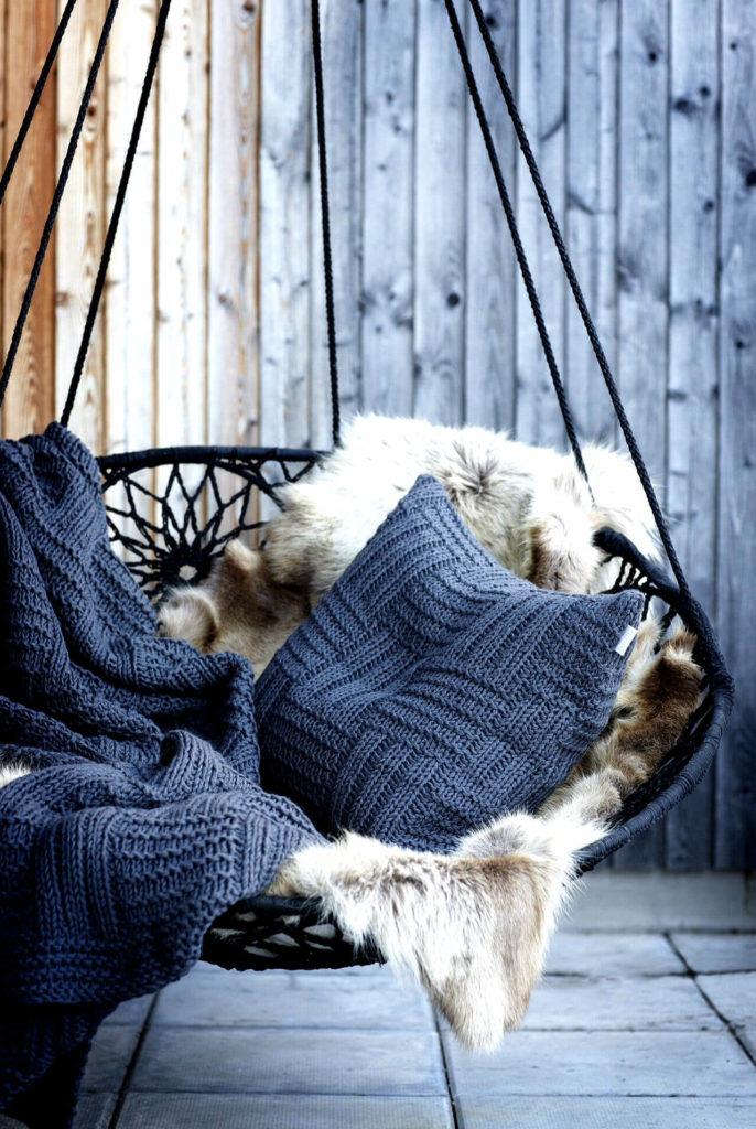 Installer un fauteuil suspendu sur sa terrasse
