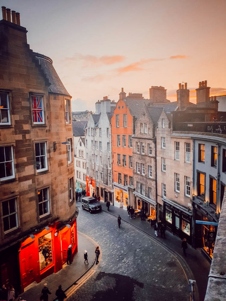 Voyage en Ecosse en famille ! visiter Édimbourg, Victoria's Street