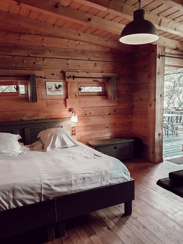 Notre chambre de luxe dans une cabane dans les bois à Carcassonne
