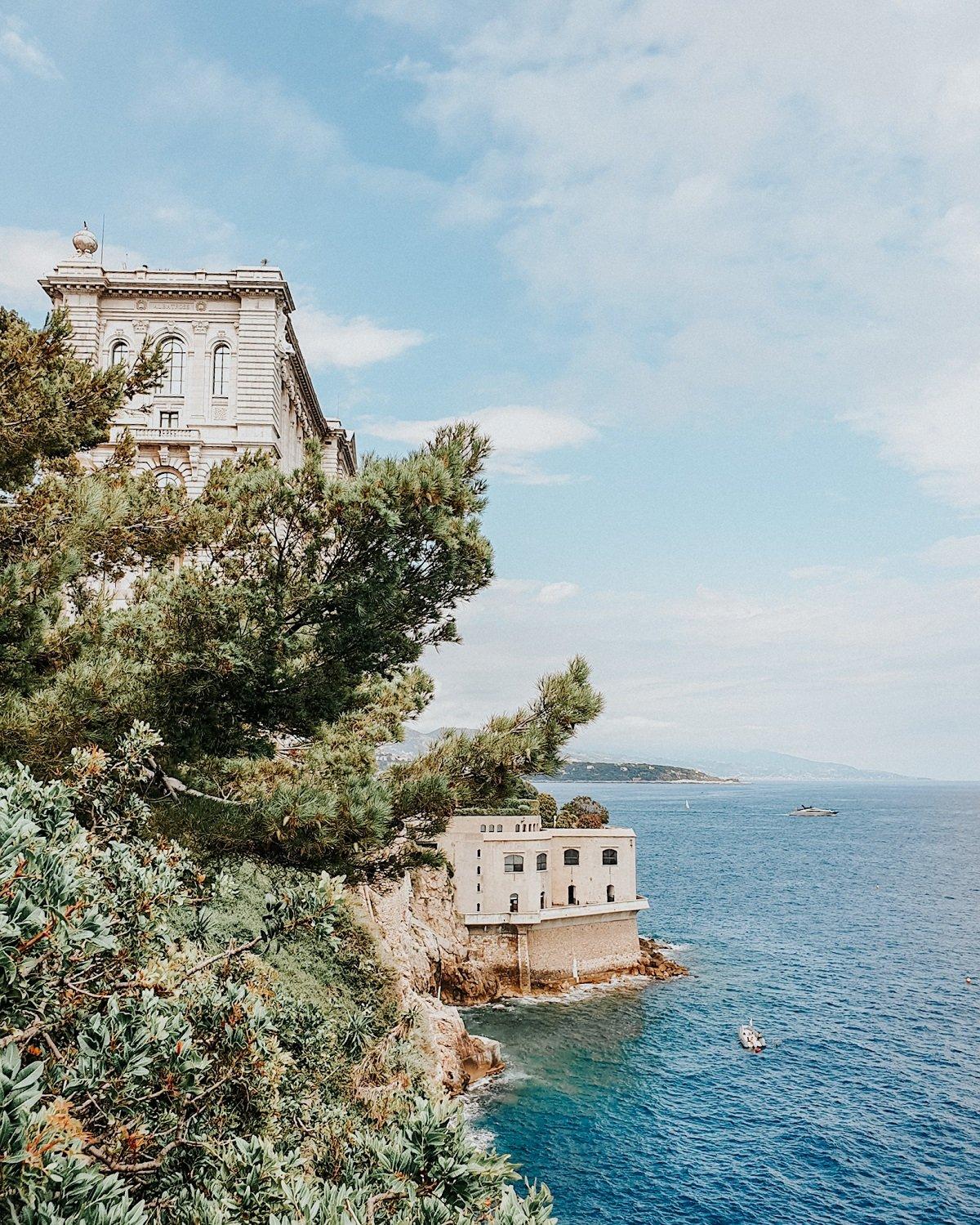 MMERSION, plongée au cœur de la Grande Barrière de Corail au Musée Océanographique de Monaco au bord de la mer