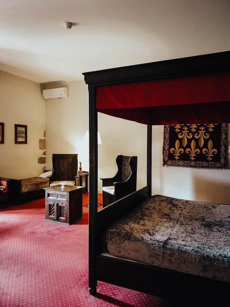 Dormir dans un vrai château médiéval : les Ducs de Joyeuse à Couiza dans l'Aude