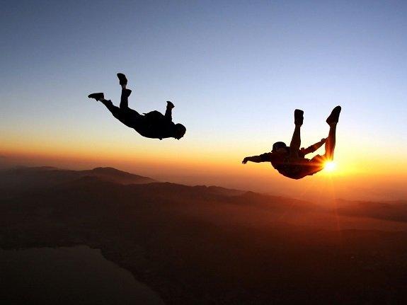 Idée cadeau de Noël : un saut en parachute à deux