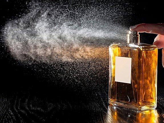 Offrir un parfum à un homme à Noël
