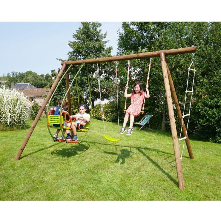 Choisir une balançoire en bois pour les enfants