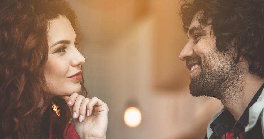 Pourquoi vous devez sourire pour séduire