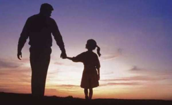 """Papà, ma se tu e la mamma vi lasciate chi è che tiene due figlie e chi una?"""" ( BELLISSIMA LEGGETE )"""