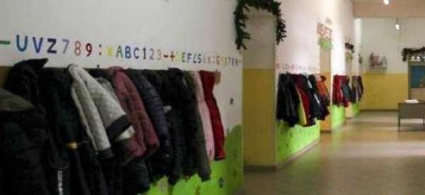 Modena, botte, bestemmie e minacce contro i bambini. Maestra d'asilo arrestata