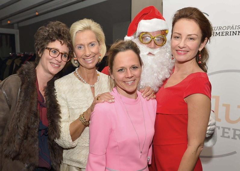 Ina Krug, Kristina Tröger, Christina Helms, Santa, Sabrina Staubitz und Christina Helms (Meier)