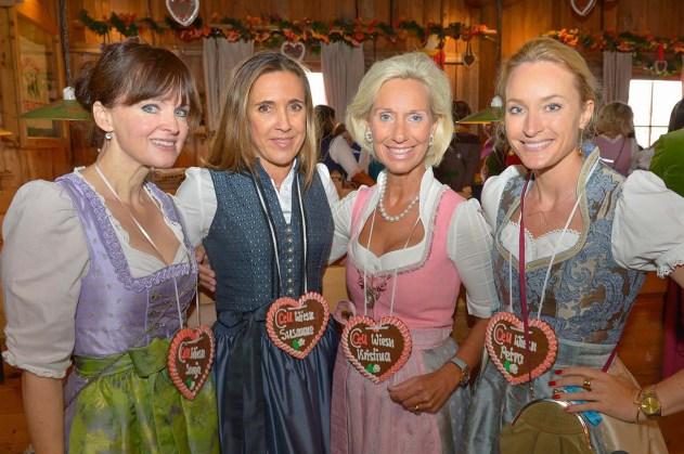 Dr. Sonja Lechner Kunstkonnex, Artconsulting, Susanne Gräfin von Moltke Egerner Höfe, Kristina Tröger Präsidentin CeU, Petra Winter Chefred. MADAME