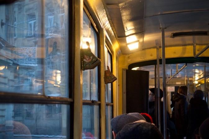 Bunte Komposter in der Tram