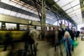 Eilige Menschen auf den InterCity nach Kiew
