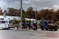Australien - Halt mit unserem Campingbus an einer Tankstelle