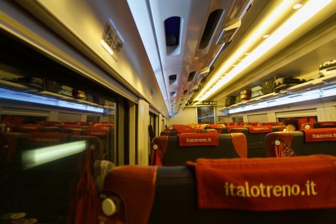 Italien - Unterwegs mit dem italienischen Ferrari Zug 'Italo' von Florenz nach Neapel