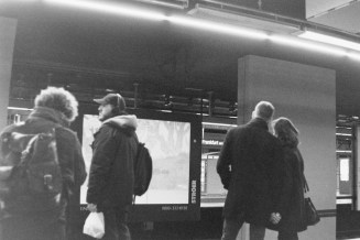 Frankfurt Hauptbahnhof, warten auf die S Bahn