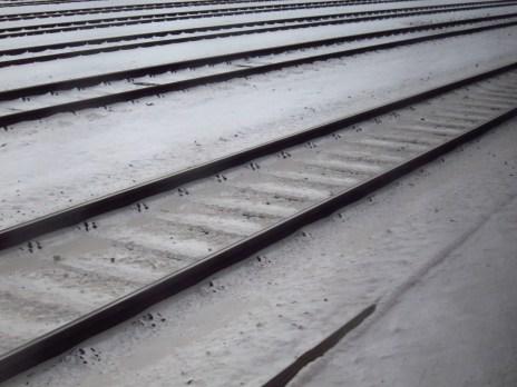 Verschneite Gleise in Köln-West