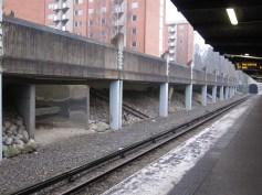 Stockholm - Warten auf die U-Bahn am Morgen