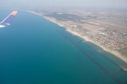4U 1885 - Nach dem Start in Fiumicino fliegt man erstmal über den Strand