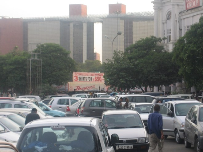 Connaught Place, Delhi - Parkplatzsuche in Indien