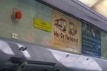 St. Louis/USA - Met on the Metro? Liebesgeschichten neben einer Werbung für Cybersecurity Trainings