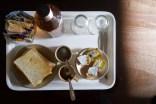 Mumbai, Indien - Frühstück (2020). Im gleichen Hotel war ich vor 14 Jahren schon einmal und habe mein Frühstück fotografiert. Viel hat sich nicht verändert.