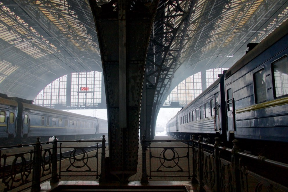 Am Bahnhof in Lviv